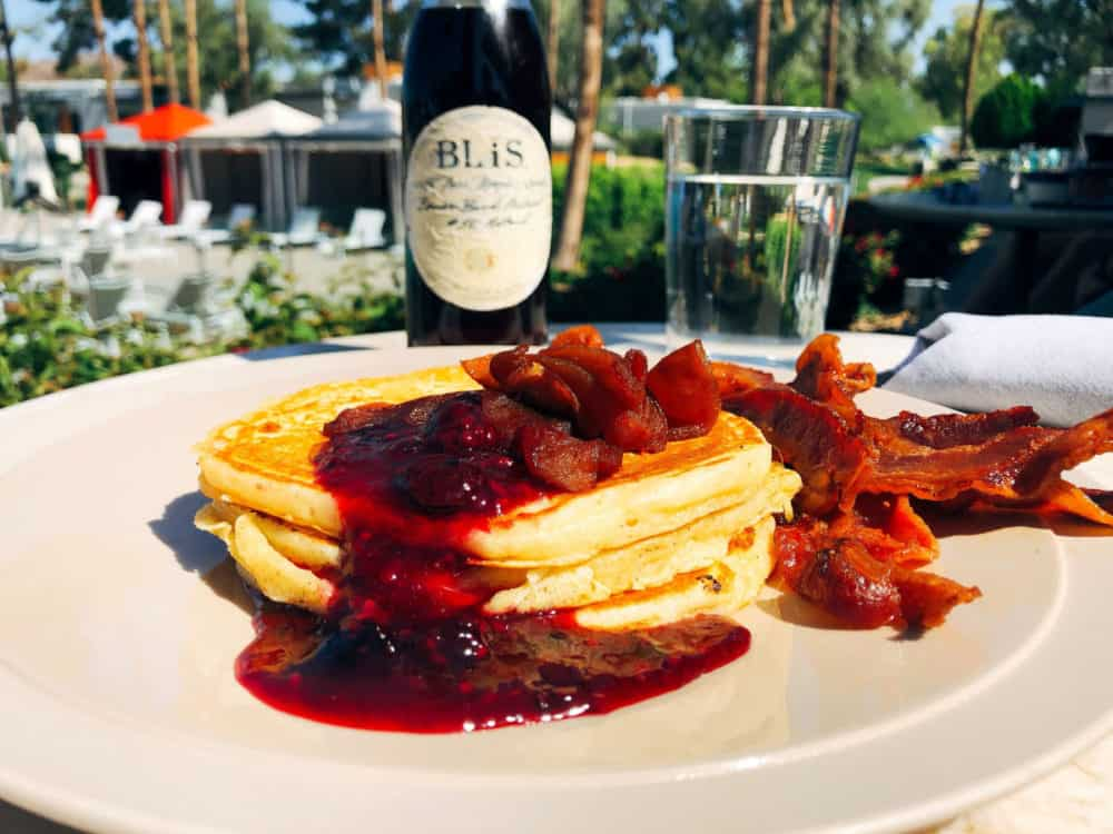 Pancakes with carmalized apples and berry compote at Weft and Warp Art Bar and Kitchen. #fromtheyums #restaurants #foodie #arizona