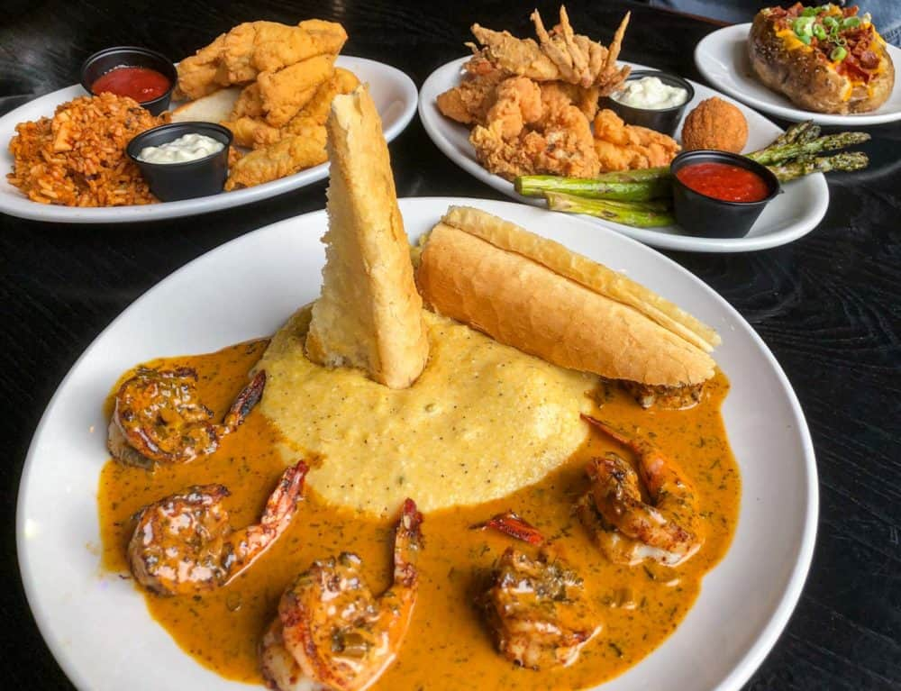 Grits and shrimp creole style seafood